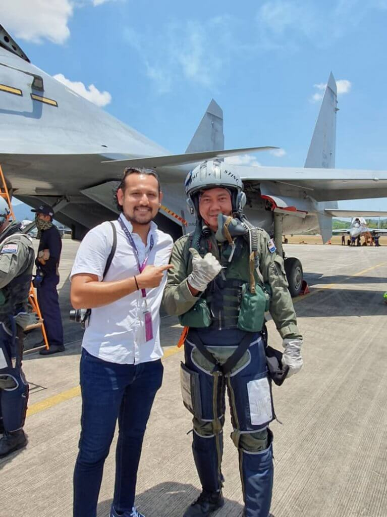 Lt Col Mohd Norazan with Mo