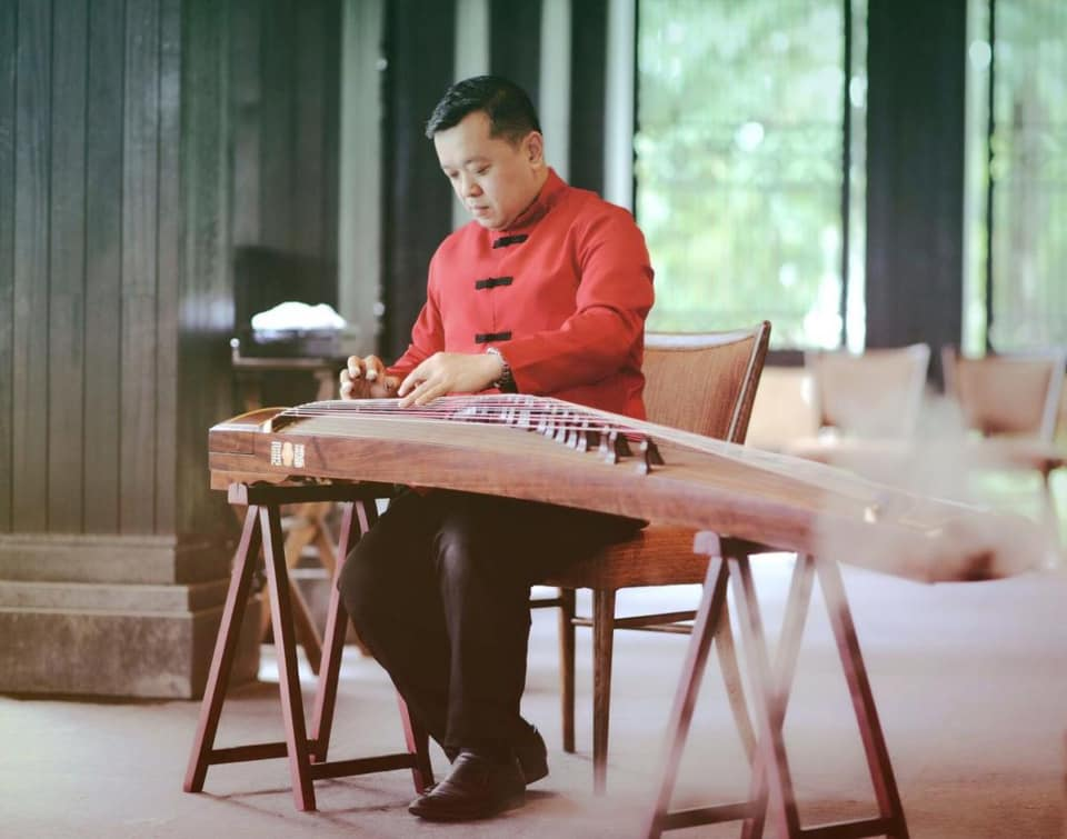 Alan Lam on guzheng