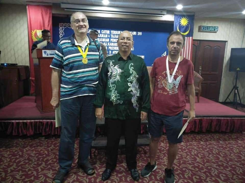 Mr. Syed Iskandar Shah with Grandmasters Alexei and Vasquez